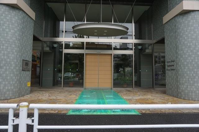 ライオンズステージ横浜キャナルスクエアのエントランス