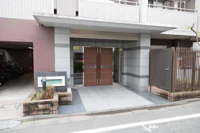 日神デュオステージ高円寺のエントランス