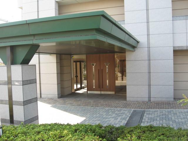 クレストフォルム平井グランステージのエントランス