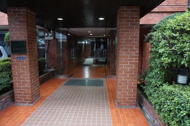 セントラル三田ハイツのエントランス