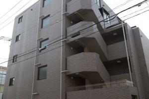 ルーブル中野富士見町弐番館の外観