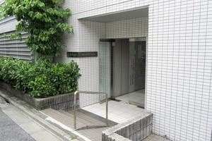 ブライズ新宿中井のエントランス