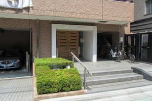 サンマンションアトレ飯田橋のエントランス