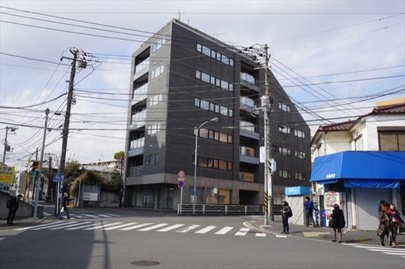 ルピナス横浜西口の外観