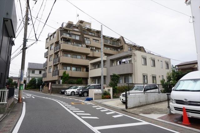 ライオンズマンション山手石川町の外観