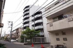 アクサス東京オリエンスの外観