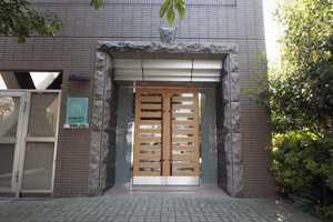 アプレシティ椎名町のエントランス
