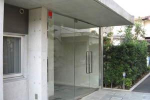 ユニーブル豪徳寺のエントランス