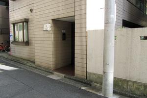 プレール早稲田のエントランス