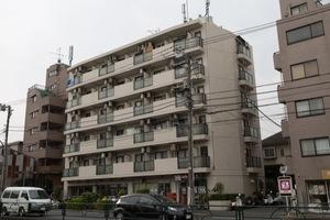 フロント新代田の外観