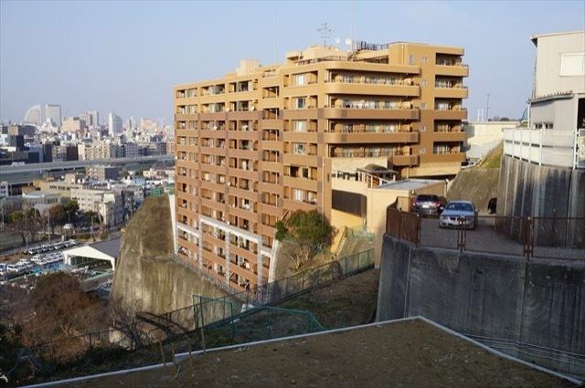 ロータリーパレス横浜山の手の外観