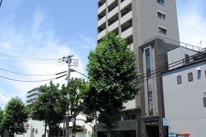 日神デュオステージ新宿外苑東通りの外観