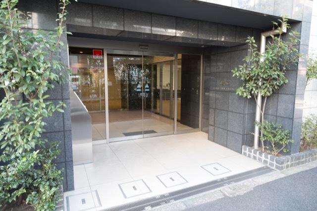 クオス駒沢大学のエントランス