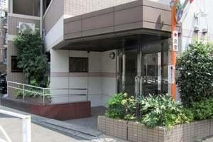 コスモ目黒パルティエのエントランス