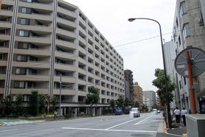 マジェスティハウス新宿御苑パークナードの外観