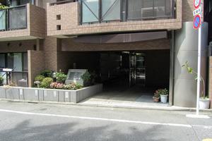 朝日クレスパリオ新宿北柏木公園のエントランス