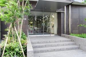 ザパークハウス新宿柏木のエントランス