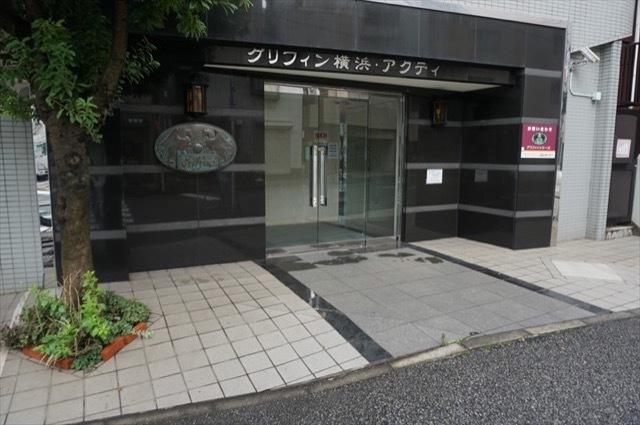 グリフィン横浜アクティのエントランス