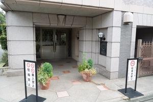 クレッセント阿佐ヶ谷のエントランス