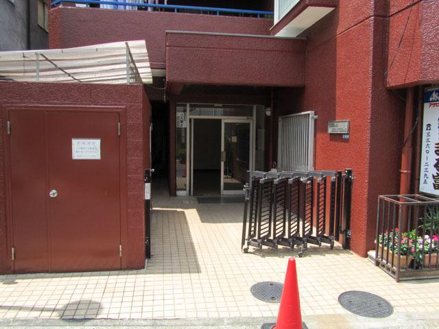 高田馬場プリンスマンションのエントランス