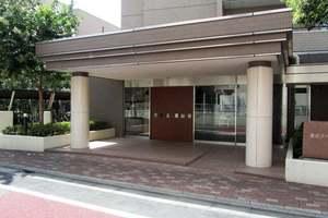 東京アパートメント弐番館のエントランス
