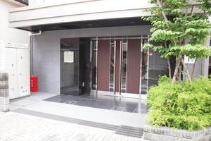 アクサス東京オリエンスのエントランス