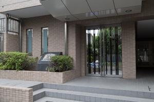 菱和パレス桜台のエントランス