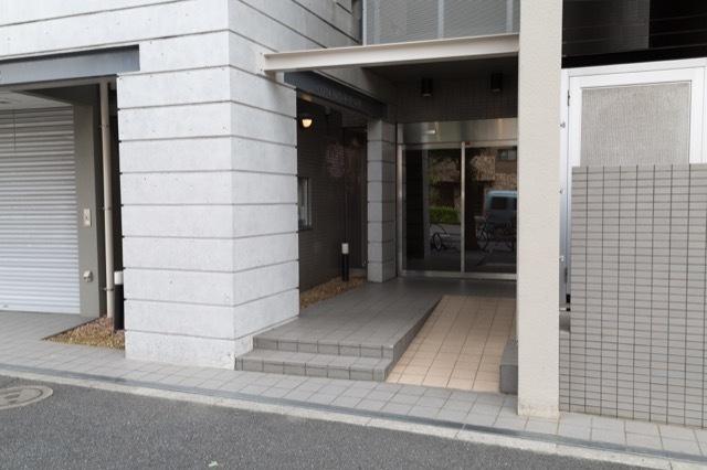 グランドメゾン高円寺のエントランス