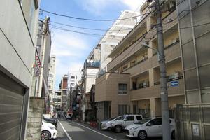 青山アジアマンションの外観