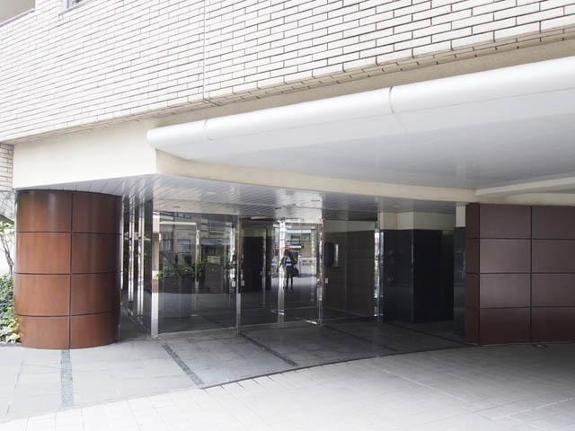 マジェスティコート小石川播磨坂のエントランス