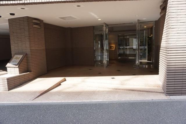 グレイス横浜ポートシティのエントランス