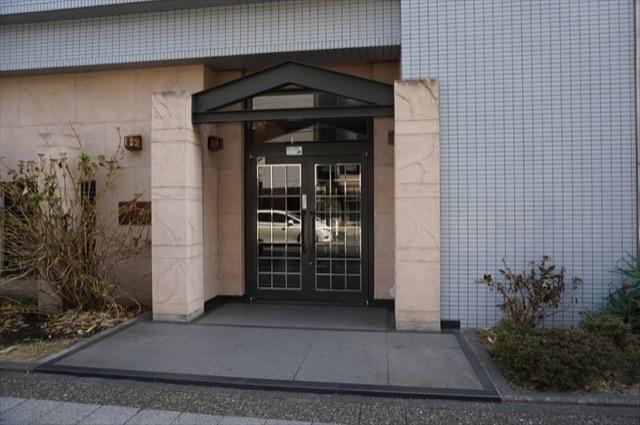 アドリーム横浜初音のエントランス