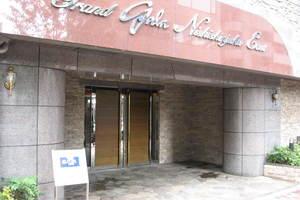 グランドガーラ西新宿イーストのエントランス