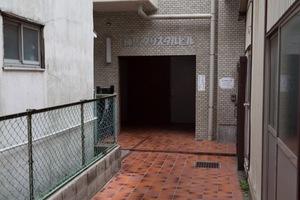 練馬クリスタルビルのエントランス