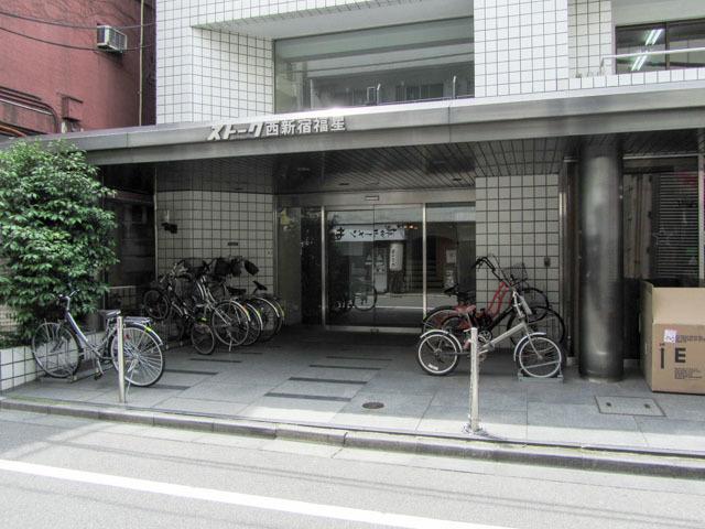 ストーク西新宿福星のエントランス