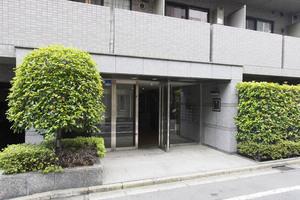 ルーブル小石川弐番館のエントランス