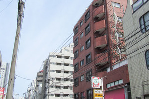 新宿サマリヤマンションの外観