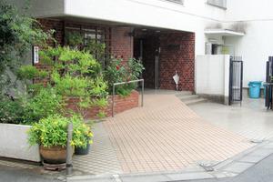 近鉄ハイツ高田馬場のエントランス