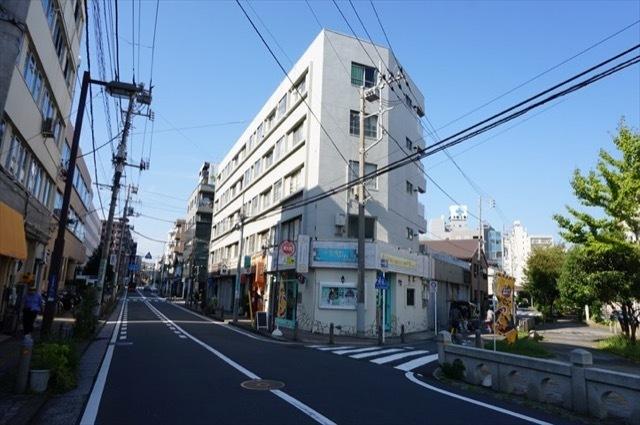 東神奈川共同ビルB棟の外観