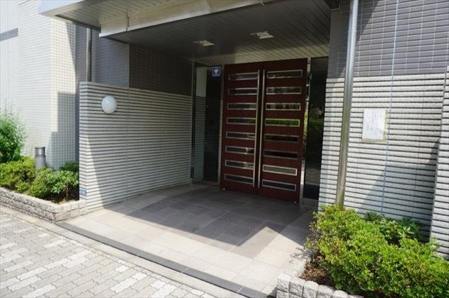 コアマンション川崎アゼリアコートのエントランス