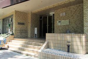 コアロード西新宿のエントランス