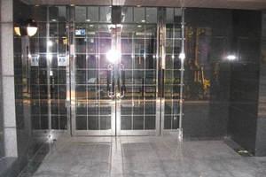 ガラステージ目白台のエントランス