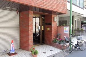 西早稲田ハイツのエントランス