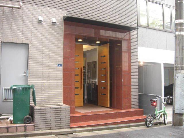 ヴィラファースト渋谷のエントランス