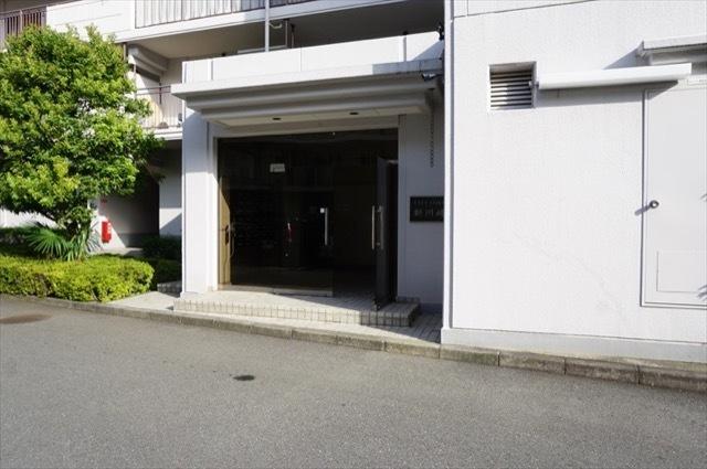 シテイコア新川崎(1号棟・2号棟)のエントランス
