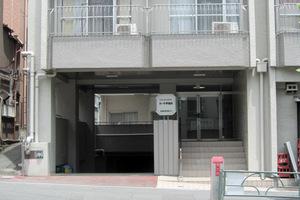 カーサ早稲田のエントランス