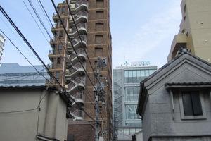 西新宿TOKビルの外観