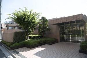 浜田山イーストガーデンのエントランス