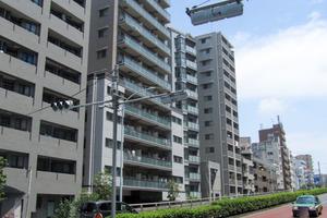 グローリオ東新宿の外観