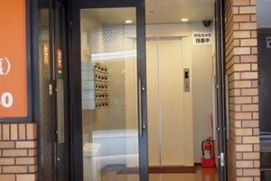 タウンハイツ上野のエントランス